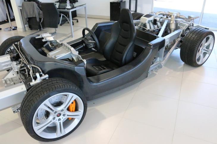 McLaren 650s carbon fibre chassis ©automobheels.com
