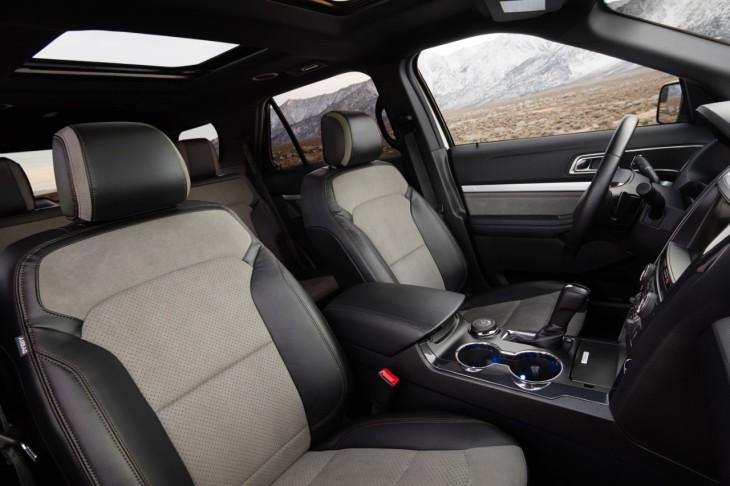 2017 Ford E XLT Sport Interior